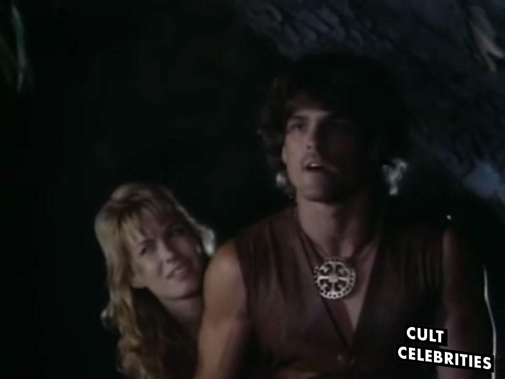 John Terlesky and Monique Gabrielle in Deathstalker II: Duel of the Titans
