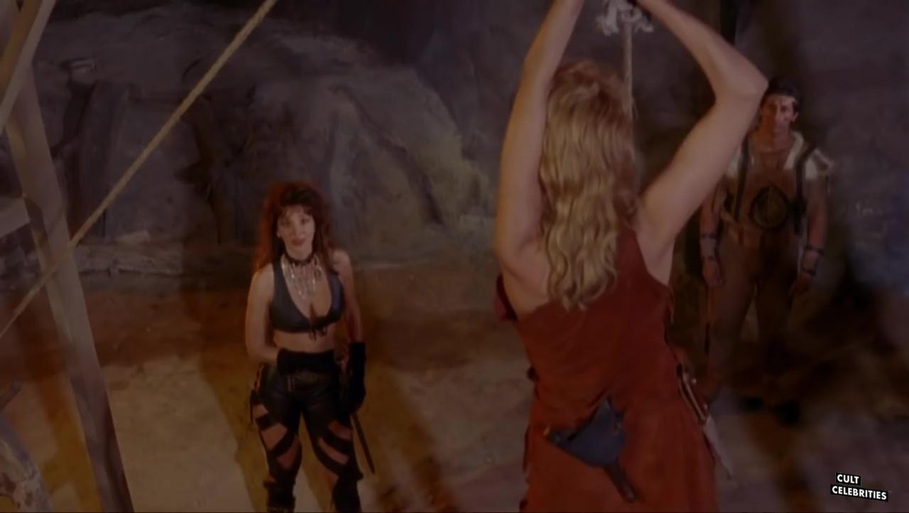 Monique Gabrielle and Toni Naples in Deathstalker II: Duel of the Titans (1987)