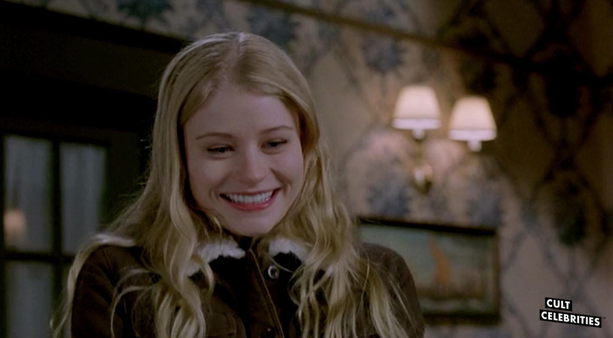 Emilie de Ravin in Santa's Slay