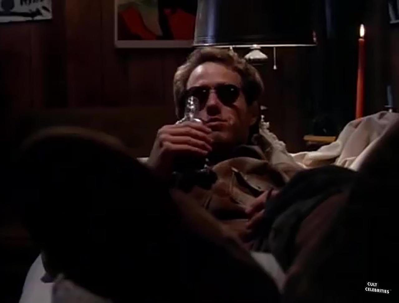 Raphael Sbarge in Carnosaur (1993)