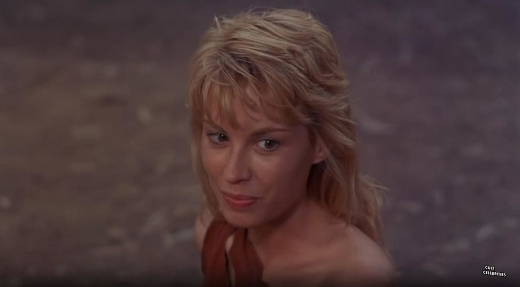 Monique Gabrielle in Deathstalker II: Duel of the Titans (1987)