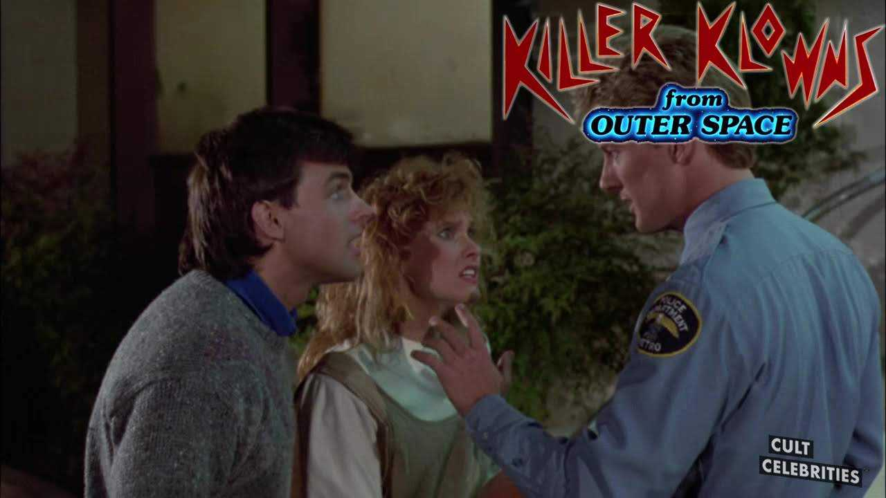 Suzanne Snyder, John Allen Nelson and Grant Cramer in Killer Klowns from Outer Space (1988)