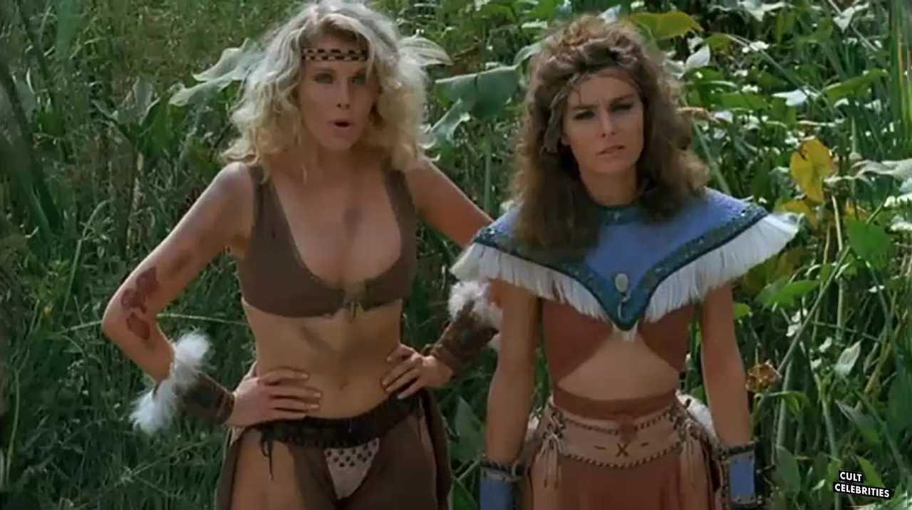 Lana Clarkson and Katt Shea in Barbarian Queen (1985)
