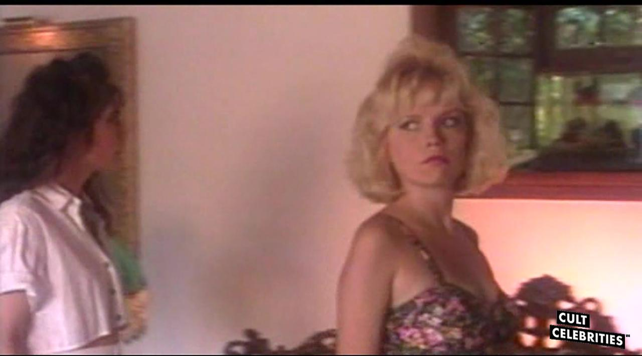 Brinke Stevens and Kelli Maroney in Scream Queen Hot Tub Party (1991)