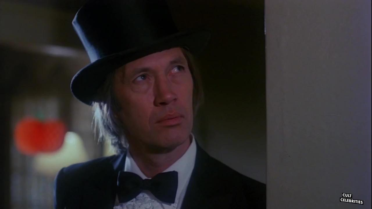 David Carradine in Trick Or Treats (1982)