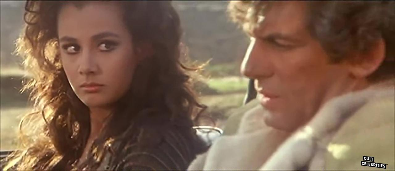 Anna Kanakis and Giancarlo Prete in Warriors of the Wasteland (1983)