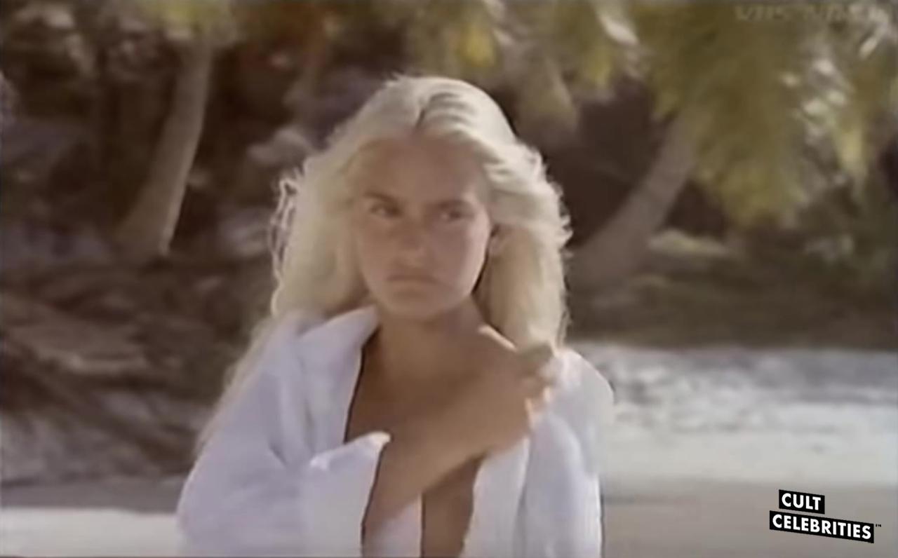 Sabrina Siani in Blue Island (1982)