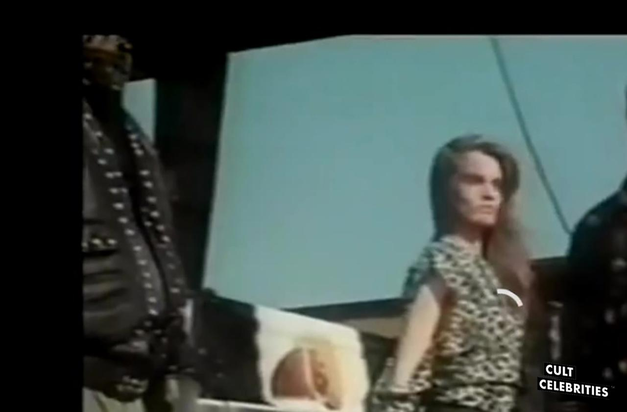 Sabrina Siani in Cobra Nero (1987)