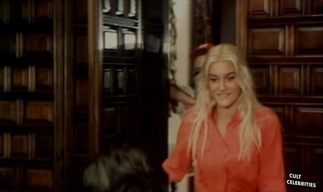 Sabrina Siani in I contrabbandieri di Santa Lucia (1979)