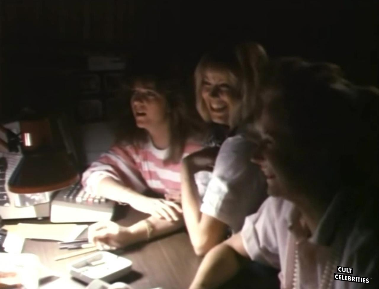 Sorority Babes in the Slimeball Bowl-O-Rama (1988)