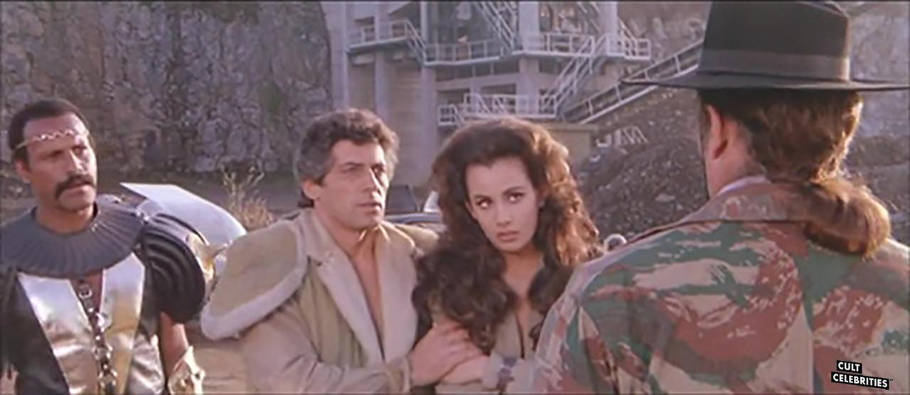 Anna Kanakis, Fred Williamson and Giancarlo Prete in Warriors of the Wasteland (1983)