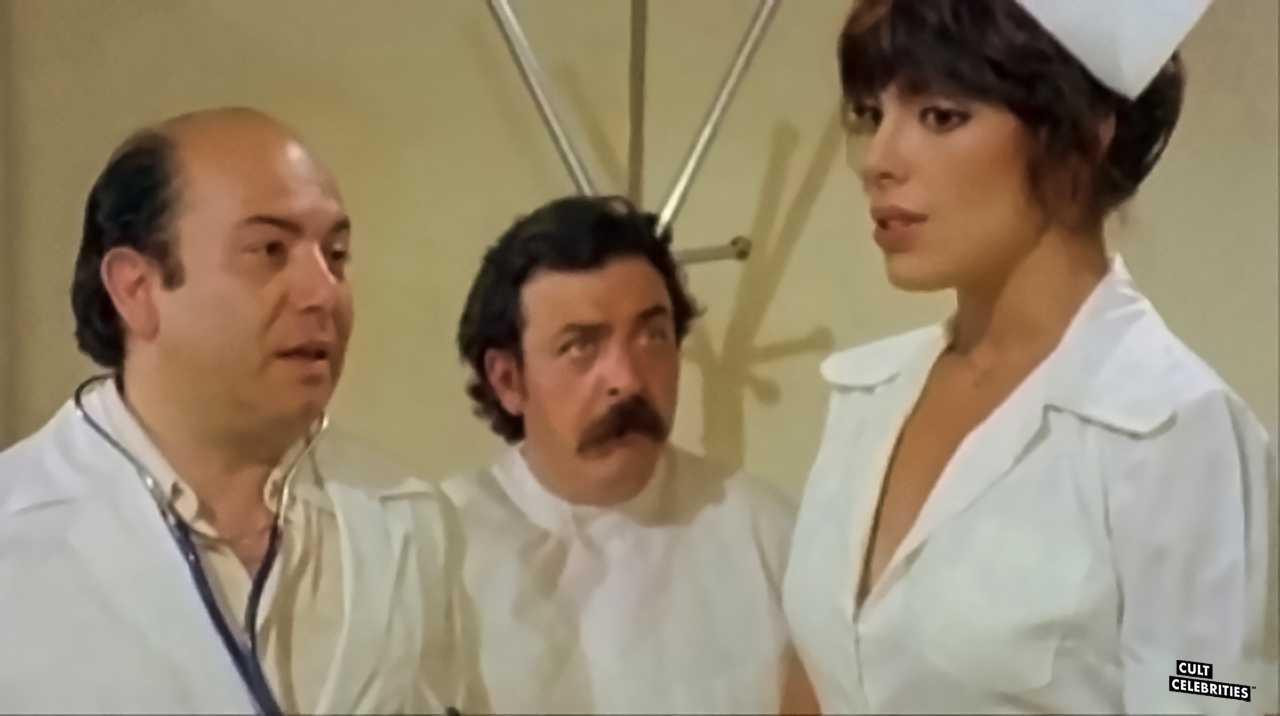 Nadia Cassini in L'infermiera nella corsia dei militari (1979)