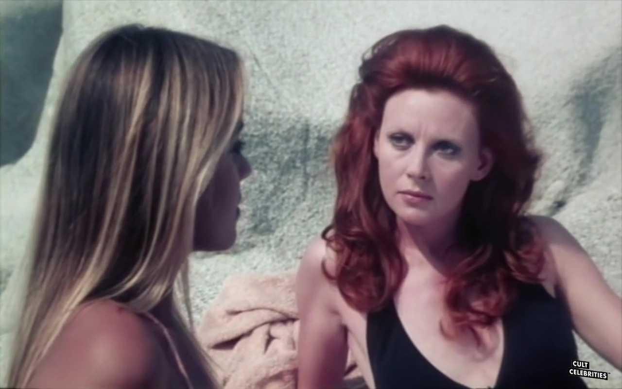 Dagmar Lassander and Gloria Guida in Peccati di gioventù (1975)
