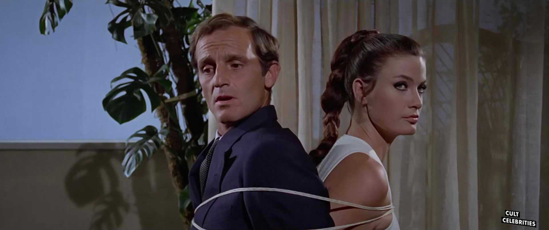 Marisa Mell in Che notte ragazzi! (1966)