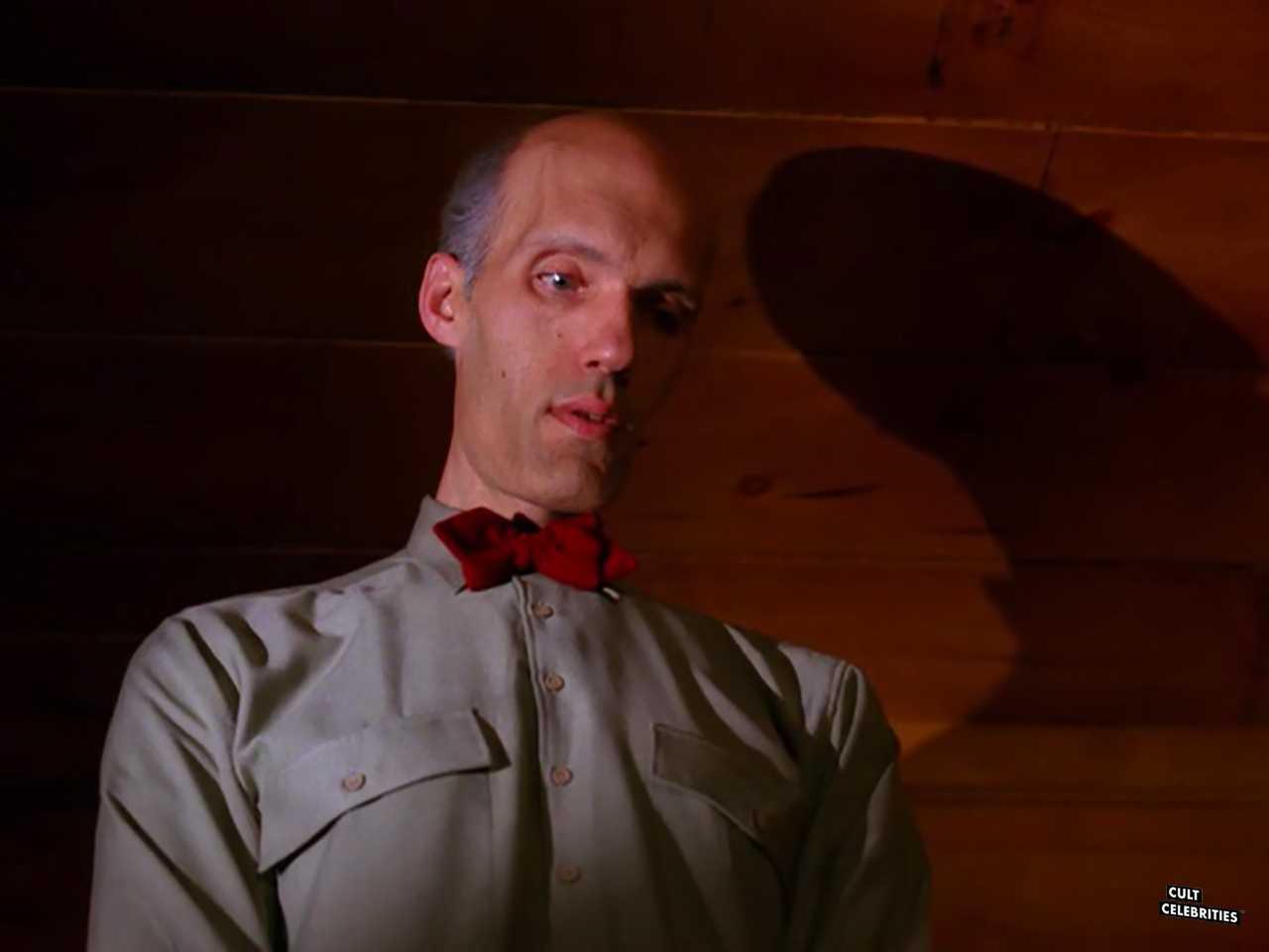 Carel Struycken in Twin Peaks (1990)