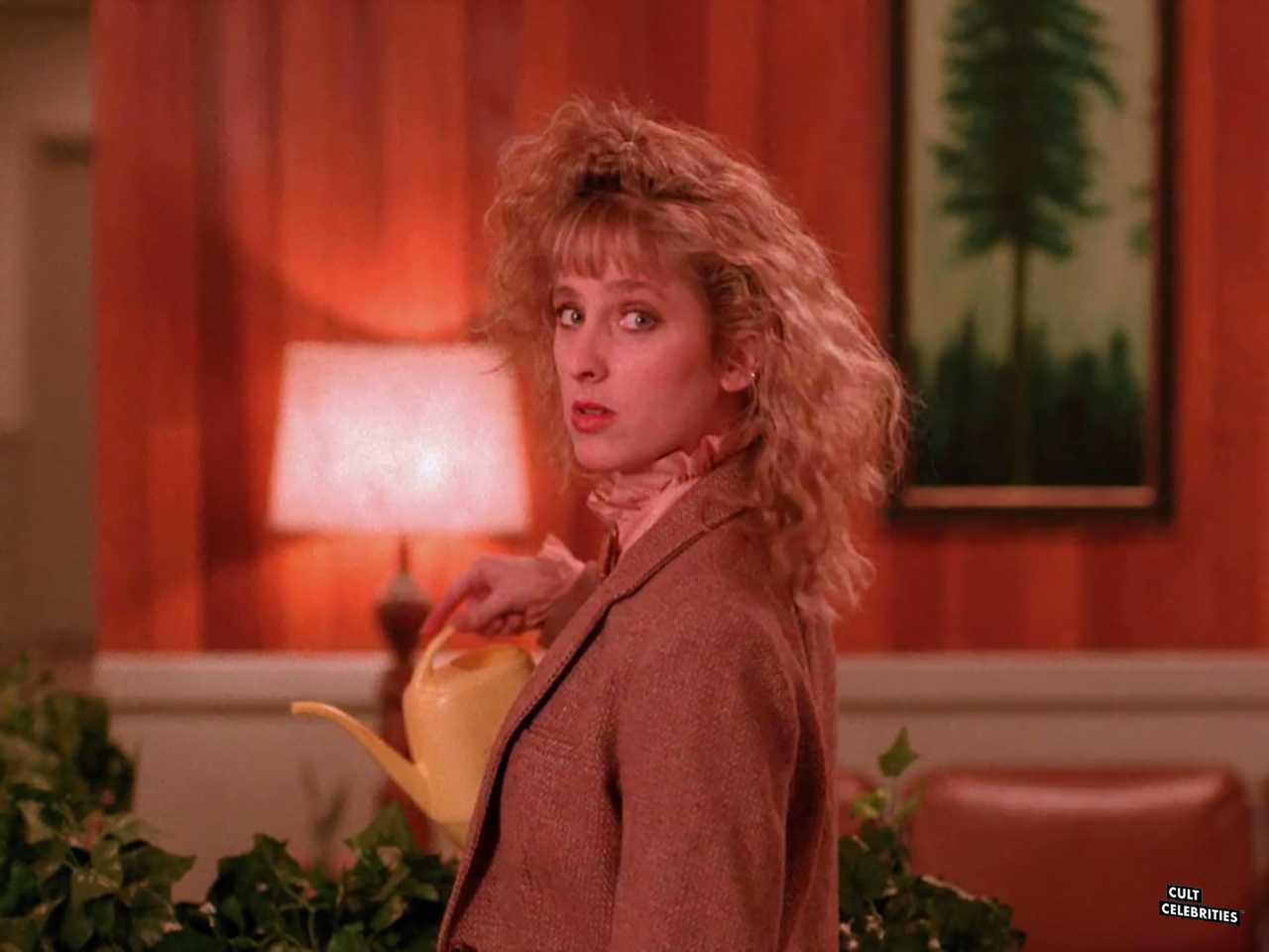 Kimmy Robertson in Twin Peaks (1990)
