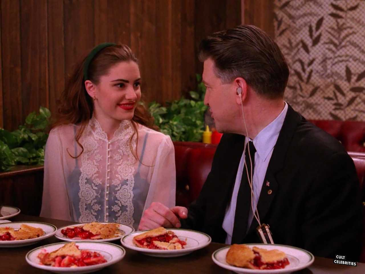David Lynch and Mädchen Amick in Twin Peaks (1990)