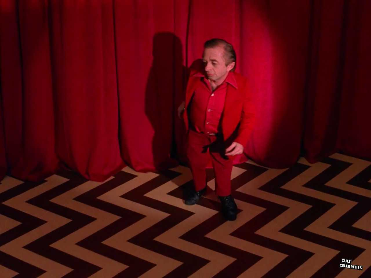 Michael J. Anderson in Twin Peaks (1990)