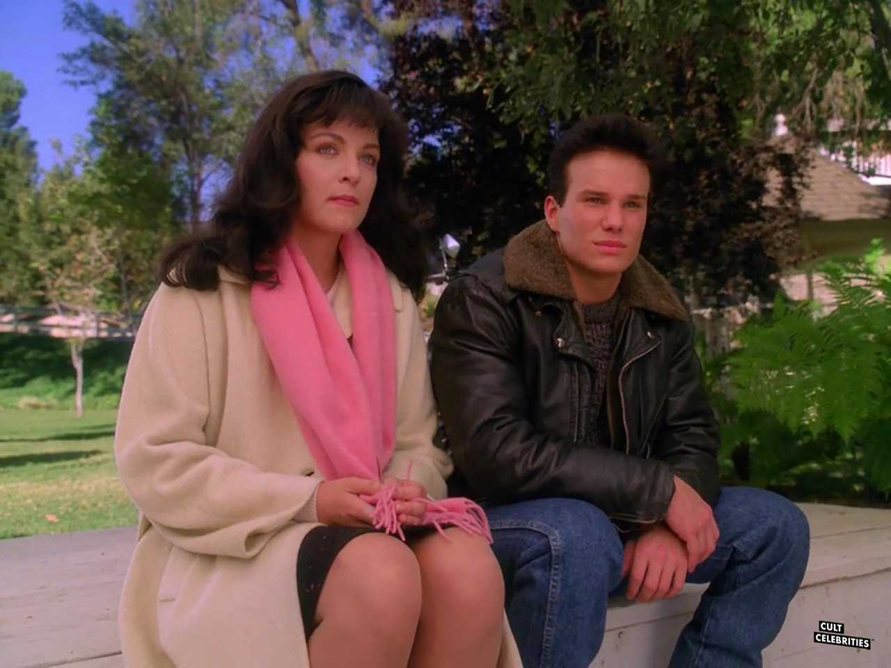 Sheryl Lee and James Marshall in Twin Peaks (1990)