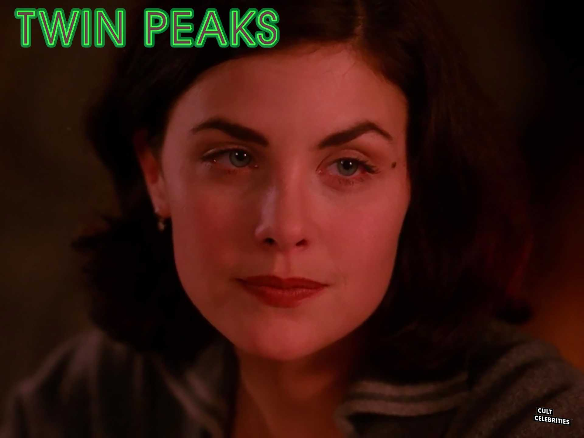 Sherilyn Fenn in Twin Peaks (1990)