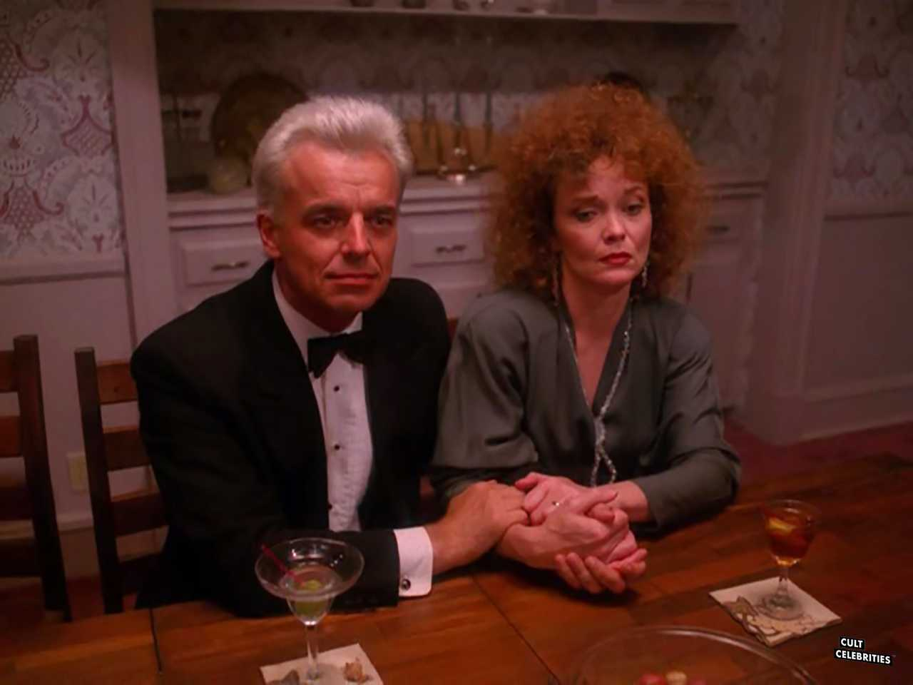 Ray Wise and Grace Zabriskie in Twin Peaks (1990)