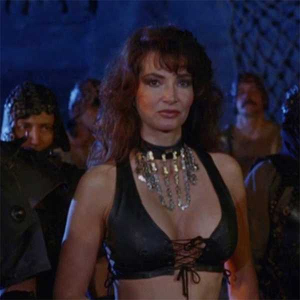 Toni Naples in Deathstalker II: Duel of the Titans (1987)