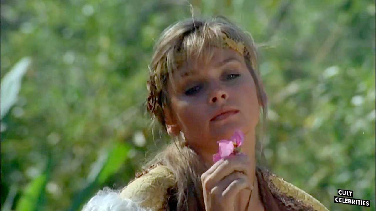 Dawn Dunlap in Barbarian Queen (1985)