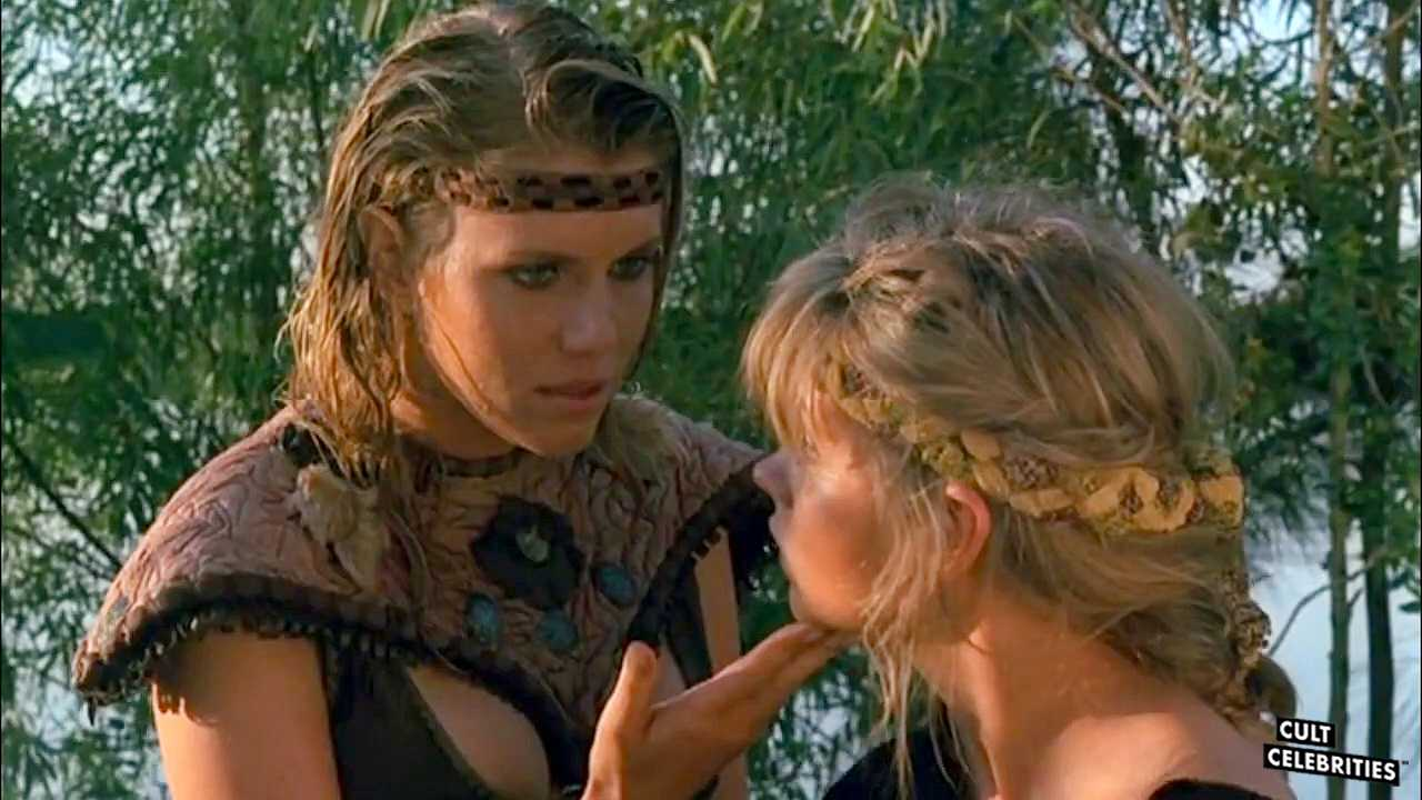 Lana Clarkson and Dawn Dunlap in Barbarian Queen (1985)