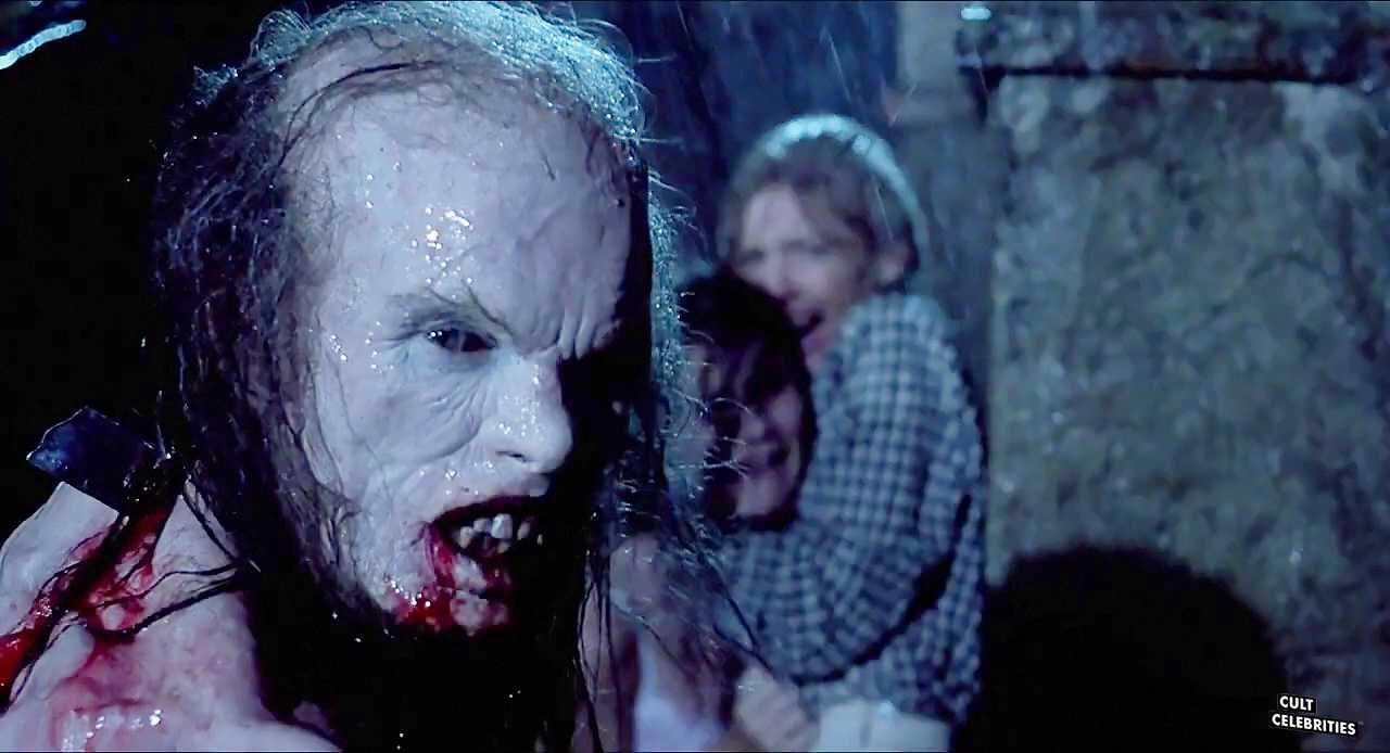 Barbara Crampton and Jonathan Fuller in Castle Freak (1995)