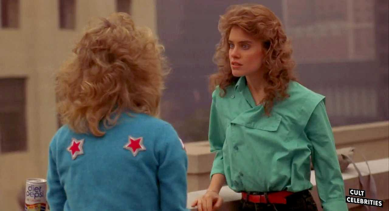 Kelli Maroney and Catherine Mary Stewart in Night of the Comet (1984)
